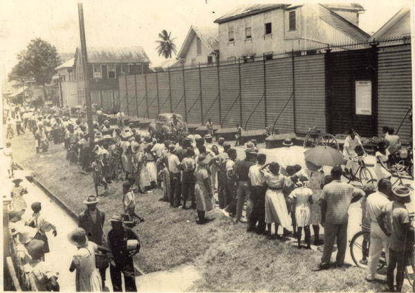 Crowd waiting outside the prison for CJ to be released on September 12, 1954